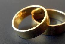 Rocznica ślubu / Piszemy o tym co oznaczają poszczególne rocznice ślubu. 10 rocznica ślubu, 20 rocznica ślubu, 30 rocznica ślubu. Piszemy również o tym jaki wybrać prezent na 25 rocznicę ślubu. Zapraszamy do nas po praktyczne porady!