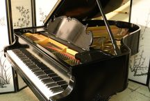 "King Louis XV Style Steinway Grand Piano Model O 5'10.5"" / King Louis XV Style Steinway Grand Piano Model O 5'10.5"" Ebony Gloss Refin/Reblt $27,500"