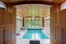 Piscines / Des piscines de particulier particulièrement réussies aux plus belles piscines du monde, entrez dans l'univers des plus belles inspirations de piscine sur Pinterest.