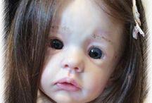 Reborn Babies / Reborn babies, lifelike babies created by artists.