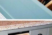 Almari dapur / Kitchen table