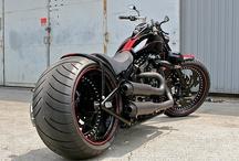 Rides / Custom & vintage cars & motorcycles