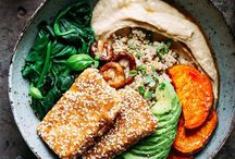 {Tofu & Tempeh} / Tofu recipes and tempeh recipes that are perfect for your next vegetarian or vegan breakfast, lunch or dinner. You might even find a few tofu dessert recipes using silken tofu! #vegetarian #tofurecipes #tepehrecipes #meatlessmonday #vegan