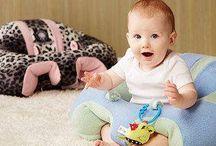 """bebeyatmaz / """"Bebeyatmaz"""" Bebeğiniz İçin Anne Kucağından Sonra En Güvenilir Yer, 3-11 Aylık Bebeğinizin Koltuktan Yada Yerden Düşmesini Engeller. Bebeğinizin Dik Oturmasını Sağlar. Siz İş Yaparken Bebeğiniz Güvende Olur. %100 Hijyenik Antibakteriyel Ve Antimikrobiyal Olarak İmal Edilmektedir. Ürünün Kılıfı Kolaylıkla Çıkarılıp Yıkanabilir. Çantası Sayesinde Kolaylıkla Taşınır."""