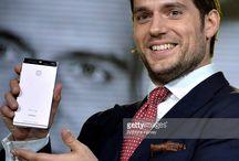 Henry Cavill představuje nový chytrý telefon Huawei P9 / Henry Cavill at the Huawei P9 Global launch in London