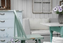 The One With Shabby Chic Decor!  LOVE! / by East Coast Chicagoan