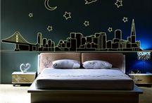 Pegatinas decorativas fluorescentes. / Encuentra aquí diferentes modelos de pegatinas fluorescentes infantiles y para adultos. Las pegatinas luminiscentes brillan en la oscuridad si previamente les ha dado la luz y son perfectas para las habitaciones de los peques de la casa porque crean un efecto cálido durante la noche.