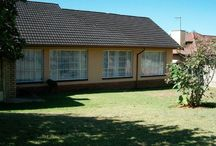 3 bedroom house for sale in Witpoortjie / Property located in a quiet street on a large stand.  Conveniently situated close to schools, shops and transport.   Study can be used as 4th bedroom