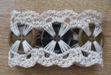 Crochet bracciali con bottoni o catene