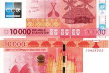 Billets Polynésie Française / Le franc Pacifique, ou simplement appelé franc dans l'usage courant, est, avec l'euro, une des deux monnaies officiellement utilisées au sein de la République française. Également connu sous le nom de franc CFP, il a cours dans les collectivités françaises de l'océan Pacifique : Nouvelle-Calédonie, Polynésie française et Wallis-et-Futuna. Les billets de banque Polynésie Française en circulation sont : 500, 1000, 5000 et 10 000 CFP.