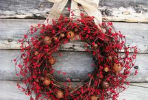 Crafts | Wreaths + Garlands / Beautiful Wreaths to make  / by tla17