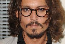 Belli con gli occhiali / Prendete gli uomini più affascinati del mondo e aggiungete gli occhiali più esclusivi mai creati. Il risultato? Un mix esplosivo di bellezza. Rifatevi gli occhi con questa board...