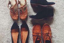 Shoesies / by Sammie Leigon