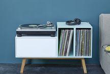 stolek na gramofon