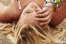 Maillots de bain et Bikini femme / Sélection de maillots de bains et bikinis femme à tous les prix, pas cher, dans tous les styles et pour toutes les morphologies (grande taille) : 2 pièces, 1 pièce, trikini et tankini, shorty avec des hauts triangle, push up, préformés...