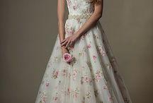 Vintage Wedding / Deko Ideen,Brautkleider und Brautdirndl für eine stilvolle Hochzeit im Trachten und Vintage Stil.