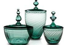 Venezia - Glass | Vista Alegre Atlantis / nspired by Venetian style, these decorative pieces in ribbed glass and mint green shades – a fashion and decoration trend – exude romanticism and elegance. Richly detailed, their handmade twisted rib patterns reflect the distinctive character of refined glasswork and turn each piece into a unique work of art. This pieces complements the Venezia tableware from Vista Alegre.