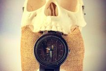Wooden Watches for Men / Loads of great styles of mens wooden watches.  Affordable and unique, these watches would make a great gift or a neat addition to your own wardrobe.