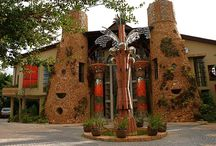 AmaZulu African Palace - Kloof / Unique Architecture and Art in Kloof, Kwa-Zulu Natal, South Africa  A once-in-a-life-time guest-house