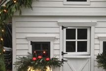 Holiday Roof & House Decorations