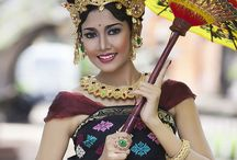 Costum dancer