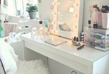 closet/makeup room