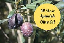 Spanish Olive Oil / The best olive oils in the world come from Spain! Check out these Spanish extra virgin olive oils.