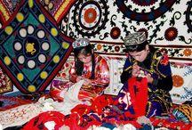 Uzbek crafts - Узбекские народные ремесла / Декоративно-прикладное искусство Узбекистана развивалось из века в век, оставляя в наследство уникальные изделия известных и безымянных мастеров, поражающие богатством художественной фантазии и совершенством форм.