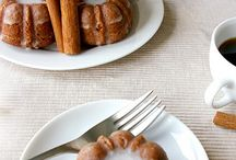 Cakes - Bundt Cakes / Really... Who doesn't like the look of a bundt cake?