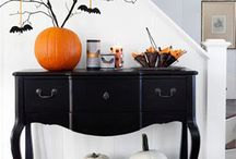 Inspirations from other websites -Halloween- / Interior ideas, table decorations, costumes for Halloween. Trick or Treat! #Halloween #interior #tabledecorations #costumes