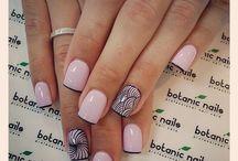 Woman: Nails