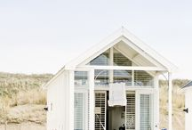 Coloured Beach houses   Emmy & Met Mijke / Inspiration mood - styling fotoshoot - Coloured Beach houses