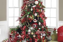 Christmas- Santa Theme / by Southern Charm Wreaths