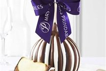 Corporate Gifts / Gift our unique Gourmet Caramel Apples to employees, clients, a boss and more! Repin to your own inspiration board.