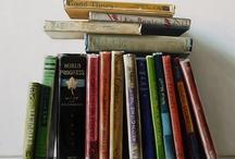 Books and shelves / Book shelving. Nerd alert.