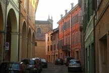 Correggio mon amour / Passeggiando per il centro dopo il tramonto