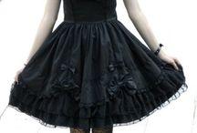 Gothic lolita dress (◕‿◕)♡
