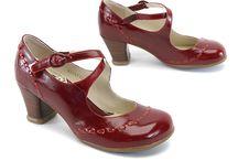 Calzado / Shoes / by Signorina Luján