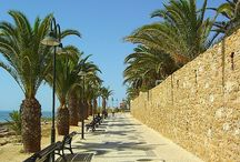 Praia da Luz / Praia da Luz is charming, the perfect sheltered beach is a big draw for families and the atmosphere is great. Enjoy a day at the beach or exploring the remarkable historic sites in the area, and return to an oasis of calm for a cool shower and a glass of delicious local wine.