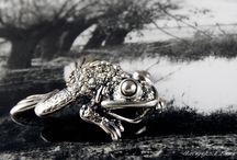 Fotografia biżuterii - ŻABY / www.jaceklitwin.com