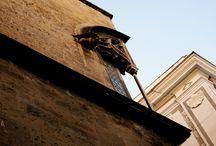 SICILIA ...tout le reste s'éstompe / Ricordi tratti velocemente fra la presentazione del più bel Barocco di Sicilia, una traghettata verso le Eolie, la dissertazione sul Satiro danzante e quella sulle colonne doriche
