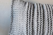 Knit/crochet pillow