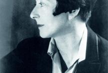 Eleein Gray