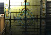 Glas in lood plafonds | Stained Glass Ceilings | Plafonddecoratie | Plafondverlichting / Stained Glass Ceiling | Plafonddecoratie | Glas in lood | Glas in lood verlichting | Engelse Pub | Irish Pub | Horeca Interieurbouw |Rekwisieten | Sijf & Dax van Zuilen Oudewater
