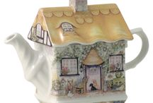 Cottage Teapots / by Kathy Fox-Lee