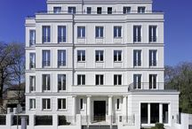 Blauw - bouwkundig / Blauwe doelgroep. Beelden van woningen, appartementengebouwen, architectuur.....