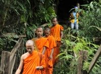 Laos Tour / Explore the soul and heart of Laos tour to discover the diversities of these countries. Face history, both traditional and contemporary, and witness the unbelievable scenic beauties.