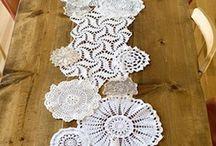 Caminho de mesa em crochet
