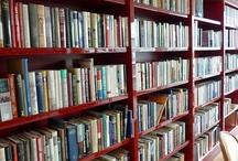 Library bookshelves lighting