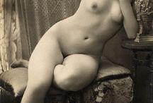 Female artistic nudes